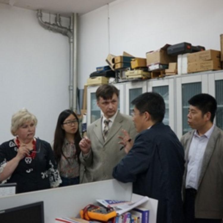 乌克兰国立技术大学专家访问省生物传感器重点实验室